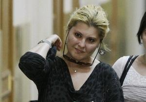 Жена Ходорковского не исключила, что ее муж после освобождения может покинуть Россию
