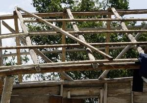 Над Черниговской областью пронесся сильнейший ветер: сорваны крыши, повреждены деревья