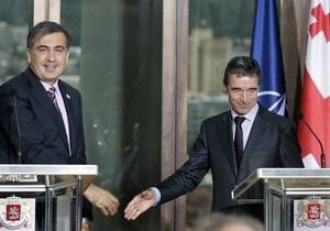Генсек НАТО хочет, чтобы Россия и Грузия жили мирно