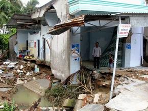 Жертвами тайфуна во Вьетнаме стали 90 человек