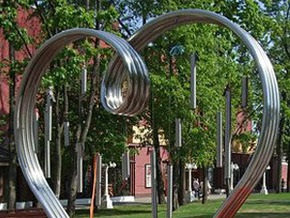 В Киеве появятся памятники, посвященные любви