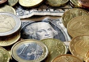 Межбанк: доллар пополз вверх, евро отскочил от максимумов
