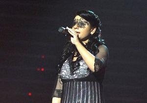 Победительницей второго сезона телешоу Україна має талант стала незрячая певица Елена Ковтун