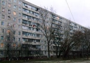СМИ: Подвал одного из домов в Киеве уже три года затоплен горячей водой