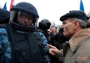 Милиция: Двое мужчин на Майдане задержаны за нецензурную брань