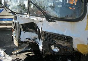 В Одесской области автомобиль врезался в автобус: есть жертвы