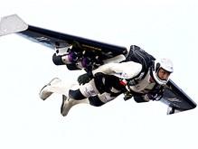 Швейцарец совершит первую в истории попытку перелететь Ла-Манш с помощью реактивных крыльев
