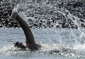 Саакашвили совершил заплыв в Черном море на 3,5 км