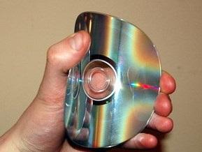 В Кривом Роге налоговики изъяли 50000 контрафактных дисков