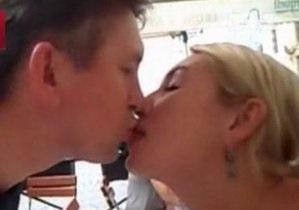 Мельниченко отложил свадьбу с Розинской - СМИ
