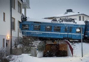 В Швеции уборщица на угнанном поезде врезалась в дом