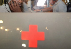 В Перу микроавтобус упал в канал: восемь человек погибли