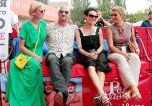 Новости шоу-бизнеса - ОМКФ: Неделя российского кино на ОМКФ началась с Иры в правду