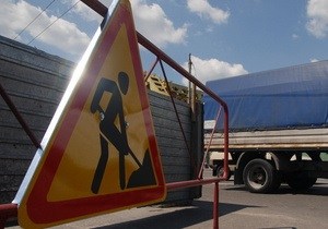 В Киеве на Набережном шоссе в следующем году реконструируют транспортную развязку