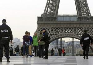 В парижском детсаду мужчина застрелился на глазах у детей