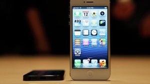 Российские эксперты оценили iPhone 5: Apple не хватает инновационности