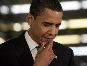 Обама сообщил, что время от времени выкуривает сигарету