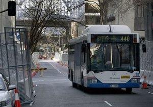 Новости Австралии - странные новости: Австралийца не пустили в автобус из-за непристойного изображения на майке
