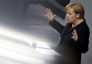 Меркель назвала поддержку евро долгом Германии