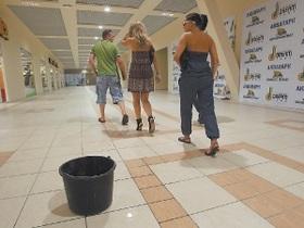 СМИ: Новый аквапарк на Оболони начал протекать