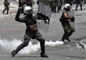 Увольнения учителей в Греции: Полиция силой сдерживает протестующих