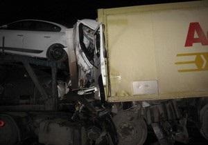 В России из-за столкновения двух грузовиков погибли украинец и молдаванин