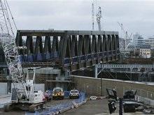 В Лондоне рухнул железнодорожный мост