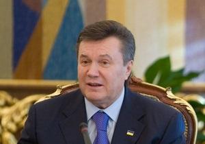 Янукович возмущен, что в Украину не могут вернуть бежавших политиков: Не знаете, как это делается?