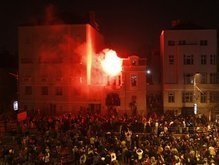 Сербы не тронули украинское посольство во время беспорядков