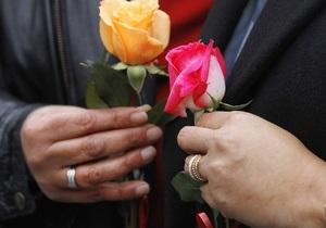 В Дании однополым парам разрешили сочетаться браком в церкви