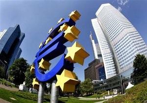 Евро в четверг опустился до рекордного минимума