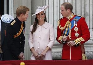 Фотогалерея: Как одевалась Кейт. Лучшие образы беременной герцогини
