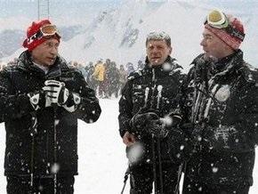 Путин попросил Медведева заплатить в кафе
