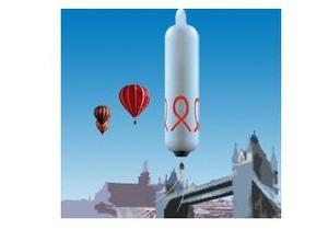 Французы облетят Землю на воздушном шаре в виде презерватива