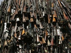 Украинцы добровольно сдали оружие