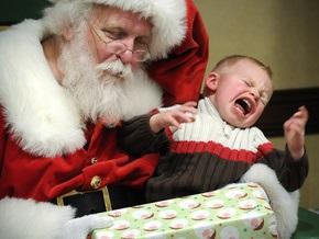 Ющенко подписал закон, увеличивающий стоимость новогодних подарков для детей