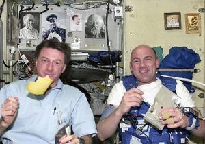 Космонавтам на МКС отправят маринованные огурцы