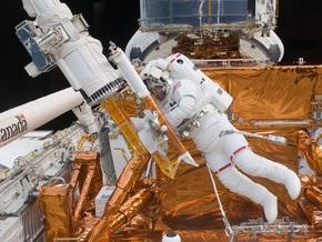 Сегодня астронавты Atlantis починят орбитальный телескоп