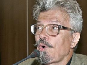 В Москве подорвали машину оппозиционера  Лимонова