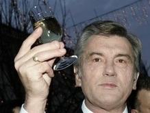 Ющенко поздравил Медведева с победой