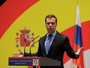 В Испании Медведеву напомнили о нехватке женщин в российской власти