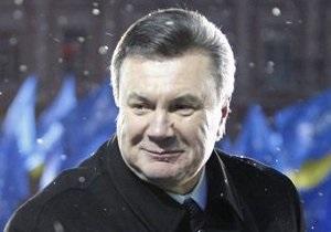 Янукович поздравил украинских биатлонистов с завоеванием медалей на Паралимпийских играх