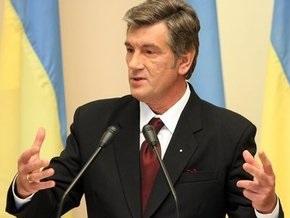 Ющенко призвал банки насытить рынок валютой