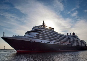 Одесский порт посетил гигантский круизный лайнер