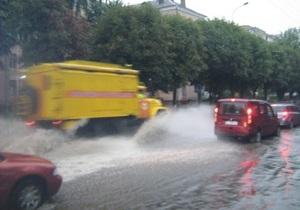 новости Луцка - непогода - ливень - потоп - Сильный ливень парализовал Луцк
