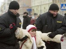 В центре Минска началась потасовка оппозиции и спецназа (обновлено)