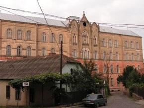 В Ужгороде из-за отсутствия отопления закрыли национальный университет
