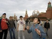 Российские и европейские звезды футбола выяснили отношения на Красной площади