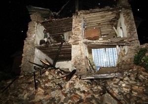 При обрушении здания в столице Индии погибли пять человек