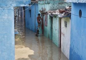 В Индии жертвами наводнения стали более 130 человек